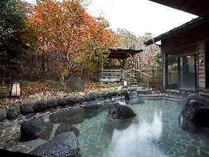 凛とした空気を感じながら入る露天風呂は格別です...