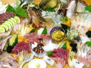 民宿 宝来荘:とにかくお刺身好きにはたまらない豪快な海鮮盛り