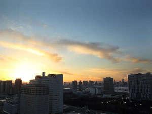 客室からの眺望の一例 夕景