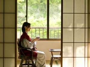 にごり湯露天と手料理が温かい湯の宿 旅館こだま:静かな和室でゆっくりと。