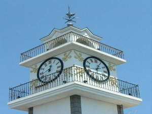 ◆松江のランドマーク湖畔に聳える「白い時計台」です。小林亜星の時計台の歌がご来館をお待ちして居ます◆