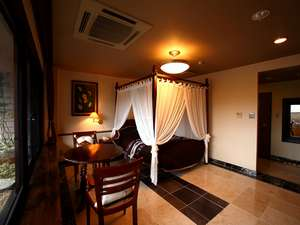 御船山楽園ホテル(旧:御船山観光ホテル)