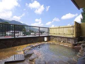 信州渋温泉 一乃湯 果亭:解放感あふれる露天風呂