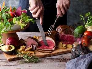 ルスツリゾートホテル&コンベンション:【ファームレストラン:ベルビュー(夕食)】自社直営農場や鮮度と味にこだわったお食事をどうぞ♪