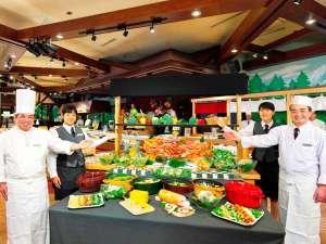 ルスツリゾートホテル&コンベンション:【バイキング(夕食)】北海道の旬・新鮮な食材をふんだんに使った地産地消のお食事をぜひ。