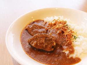 釧路センチュリーキャッスルホテル新名物【鹿肉カレー】お夜食にどうぞ!【数量限定】