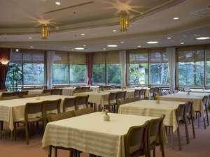 ダイニング会場「樹氷」 お夕食・ご朝食会場として使用しております。