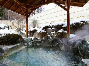 季澄香(トキスミカ)~中央アルプス杜の隠れ宿~:すぐ隣の「温泉棟」の大浴場を無料でご利用いただけます。