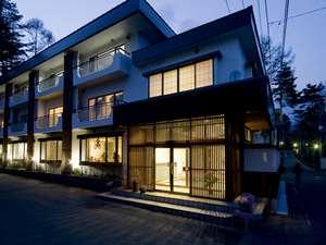 草津・さくらリゾートホテル:外観夜