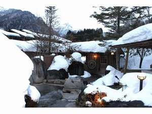谷旅館:雪の露天風呂