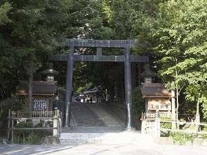 ■全国に広がる諏訪神社の総本山諏訪大社。最近では日本屈指のパワースポットとしても人気があります。