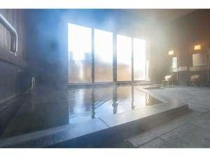 信州しもすわ温泉 ぎん月:女神伝説に由来する「綿の湯」源泉の内湯。24時間ご入浴いただけます
