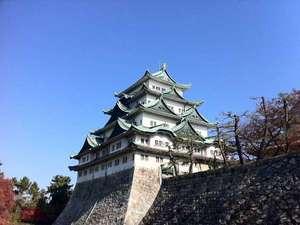 名古屋といえば金鯱で有名な名古屋城!ホテルからは電車で約15分→名城線「市役所駅」下車。