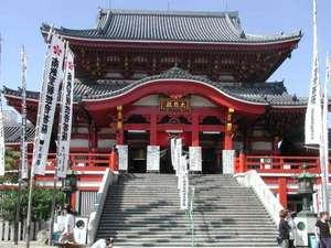 B級グルメや電化製品店など個性的なお店が揃う「大須観音」は、伏見駅より鶴舞線で1駅です。