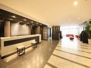 ホテルフロントフロア:1階