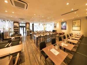 1階レストラン:ロイヤルガーデンカフェ(朝食会場)