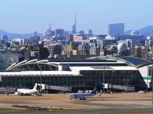 福岡空港 車で15分(写真提供:福岡市)