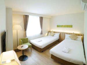 ホテルシーブリーズカジュアル:客室一例/広さは23㎡、ベッド2台のツインルーム。