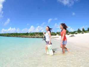 ホテルシーブリーズカジュアル:【シギラビーチ(リゾート内)】どこまでも続く抜群の透明度が魅力。