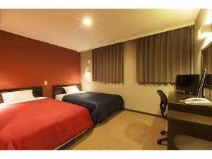 セントラルホテル松軒:ツインルーム。広々ゆったり、おくつろぎくださいませ。