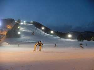 ナイターの草津国際スキー場