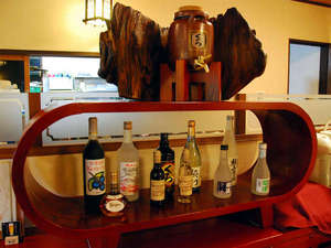 お食事処には、お酒を各種揃えております。詳しくはご相談下さい