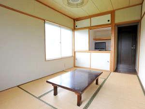 六日町温泉 いろりあん別館 さくら・さくら:*【和室(一例)】角部屋は2面採光のため、室内がより明るい印象に!テレビは全てのお部屋にございます。