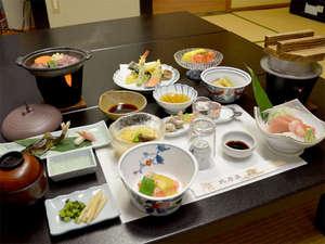庄川峡 長崎温泉 北原荘:■お料理一例■夕食は拘りの食材や富山の地のものをベースにした和風懐石ご膳を≪お部屋食≫で♪