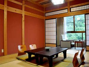 庄川峡 長崎温泉 北原荘:■和室一例■お部屋からは四季折々の自然がご覧いただけます。足を延ばしてゆっくりお寛ぎ下さい。