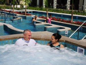 ザ・テラスクラブ アット ブセナ:【タラソプール】温められた海水(33℃・36℃)を用いた温海水プール。一年中ご利用頂けます。