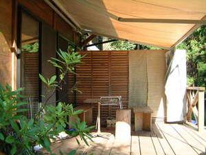 棚田の宿 池の鶴山舎:雨天でも大丈夫なバーベキューコーナー(BBQ用具セット2000円)
