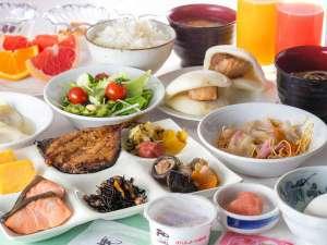 リッチモンドホテル長崎思案橋:朝食ビュッフェ一例◇長崎名物も多数ご用意しております