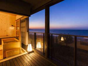1日7組限定 全室絶景露天風呂の大人宿 夕彩Resort響季:2階客室露天風呂からの景色です。