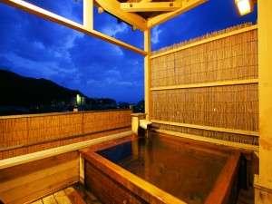 ホテル ガーデン紀栄:最上階の貸切展望露天は2ヶ所。時間制限・予約なしで利用可