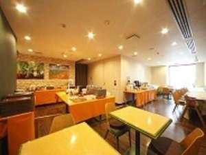 アパホテル<仙台勾当台公園>:朝食会場 モーニングファーム