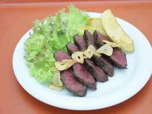 芽登温泉ホテル:鹿肉ステーキ