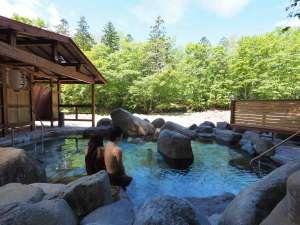 芽登温泉ホテル:2015年4月末にできたばかりの混浴露天風呂『巨岩の湯』