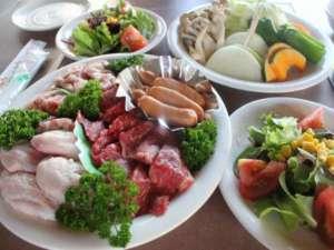 清和高原天文台 清和高原の宿:夕食はボリューム満点の焼肉(写真は2名様分)