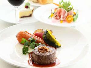 FURANO NATULUX HOTEL:【道産牛のグリルディナー】選りすぐりの食材を使用した当館人気№1のディナーメニュー(イメージ)