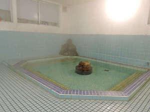 旅館 小幡勘兵衛:【大浴場】大きな浴槽で身もココロもリラックスできるお風呂は24時間いつでも利用OK!