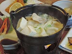 旅館 小幡勘兵衛:【夕食一例】変わり鍋物の「水餃子」プリプリ&ホカホカで身体が温まります。