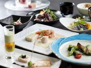 温井温泉 温井スプリングス:ご夕食一例※季節によりメニューが異なります。