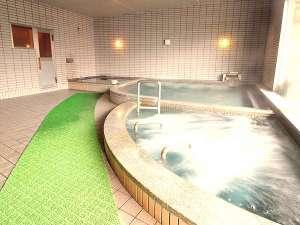 温泉ホテル 温井スプリングス:男女各に!サウナと露天風呂を備えた大浴場で、お肌に優しい『温井の天然温泉』を存分にご堪能♪