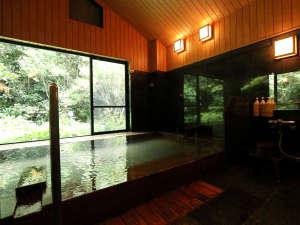 志太温泉潮生館(しだおんせん ちょうせいかん):★松の風呂。窓からの景色はさながら露天風呂の様です。季節の移ろいを感じながらお愉しみください。