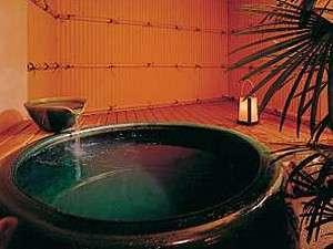 漁師料理と温泉の宿 浜栄:貸切専用の露天風呂は2つ。1組40分貸切無料(到着時に予約を)
