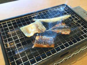 熊野の宿 海ひかり:*【朝食の干物】当館名物!お好みの焼き加減で、干物をお好きなだけどうぞ♪