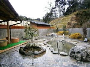 木の香り漂う美人の湯 フォンタナの丘かもう:露天風呂付き大浴場(日帰り温泉5:00~21:00)