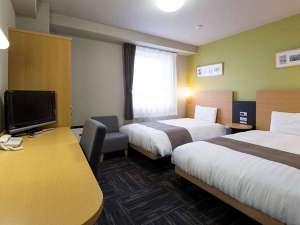 コンフォートホテル燕三条:ツインルームはベッド幅123センチなので添い寝も可能です♪