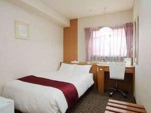 佐世保グリーンホテル:客室一例セミダブルルーム