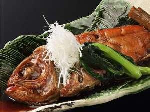 湯河原温泉 ちとせ:「桜」御膳の金目鯛姿煮 甘辛で濃い目のタレが好評♪